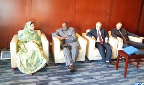Mme Derham s'entretient avec le Commissaire au commerce et à l'industrie de l'UA sur les actions de la présidence marocaine du CTS de l'UA